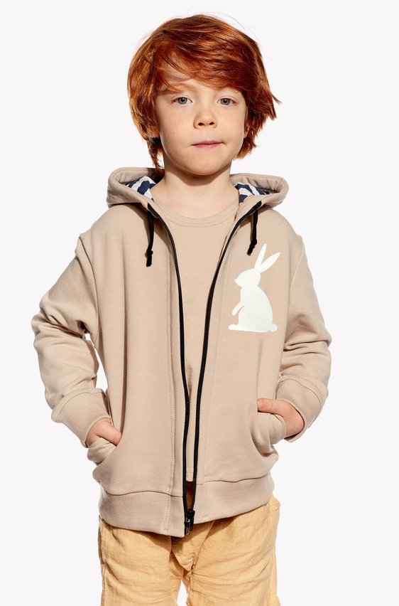 Hoodie with rabbit